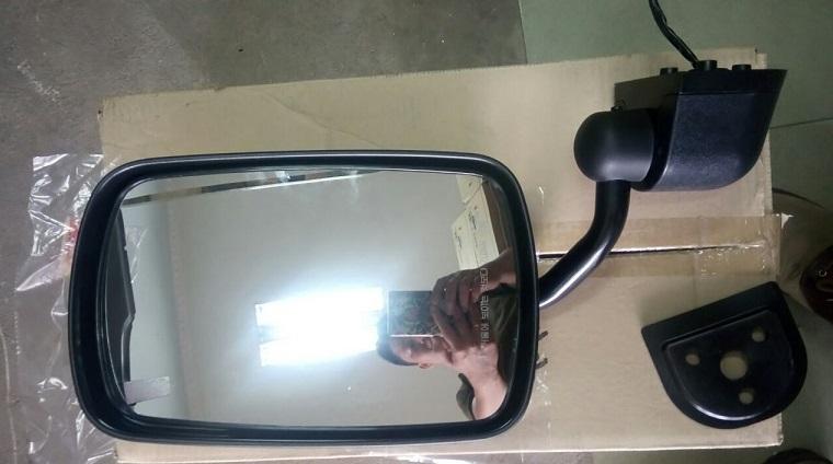gương bên lái